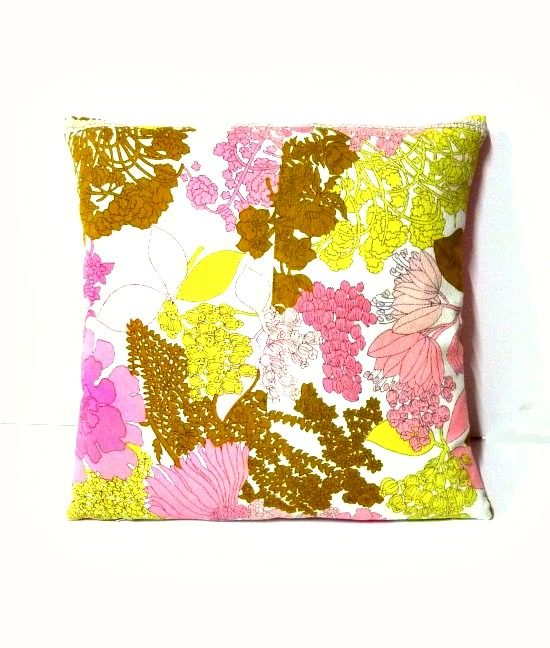 70s vintage bold floral cushion cover 1