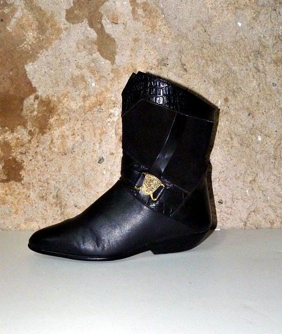 80s vintage fur lined pixie boots 1