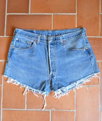 levis high waisted denim shorts 501 4