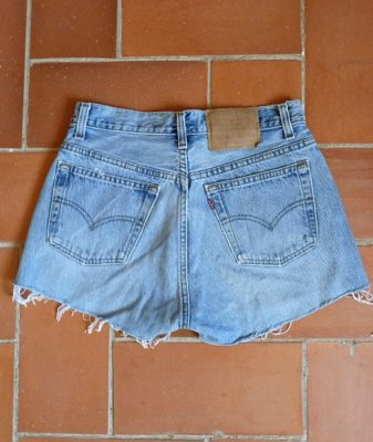 levis high waisted denim shorts 501 6 back