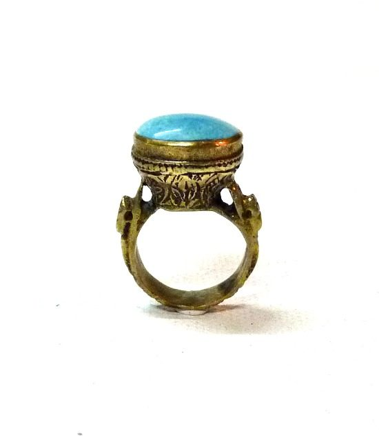 60s vintage brass ring, oval turquoise stone 1